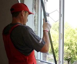 Замена пластикового стеклопакета в окнах